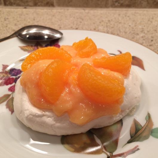 Meringues with Tangerine Lemon Curd